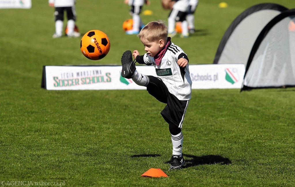 Legia to nie tylko seniorska drużyna, rezerwy i akademia piłkarska. Klub organizuje zajęcia nawet dla przedszkolaków