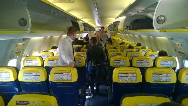 W Lufthansie mniej miejsca na nogi niż w Ryanairze. W nowych Airbusach linii lataj lepiej tylko klasą biznes