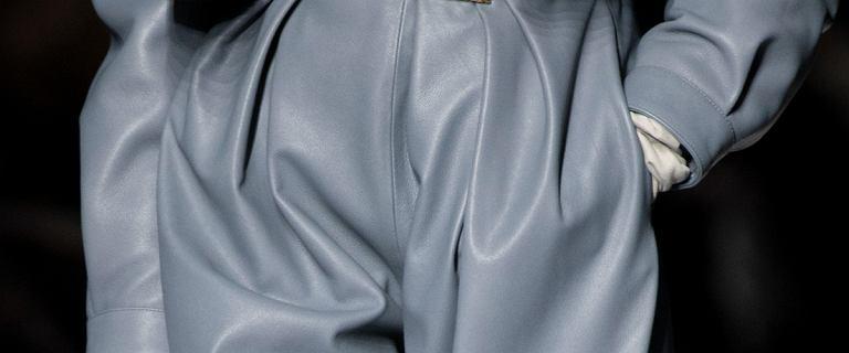 Kobiety z branży oszalały na punkcie tych spodni! W tym sezonie będą królować na ulicach światowych stolic mody