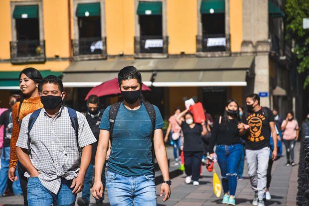 W listopadzie do Meksyku przybyło blisko pół miliona osób