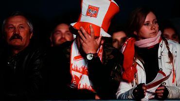 Smutek i rozczarowanie malowało się w niedzielny wieczór na twarzach kibiców, którzy tłumnie przyszli do strefy kibica w Krakowie. Polska przegrała z Kolumbią 0-3.