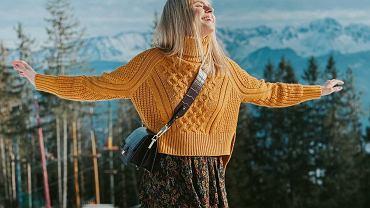 kalicka sweter i spódnica
