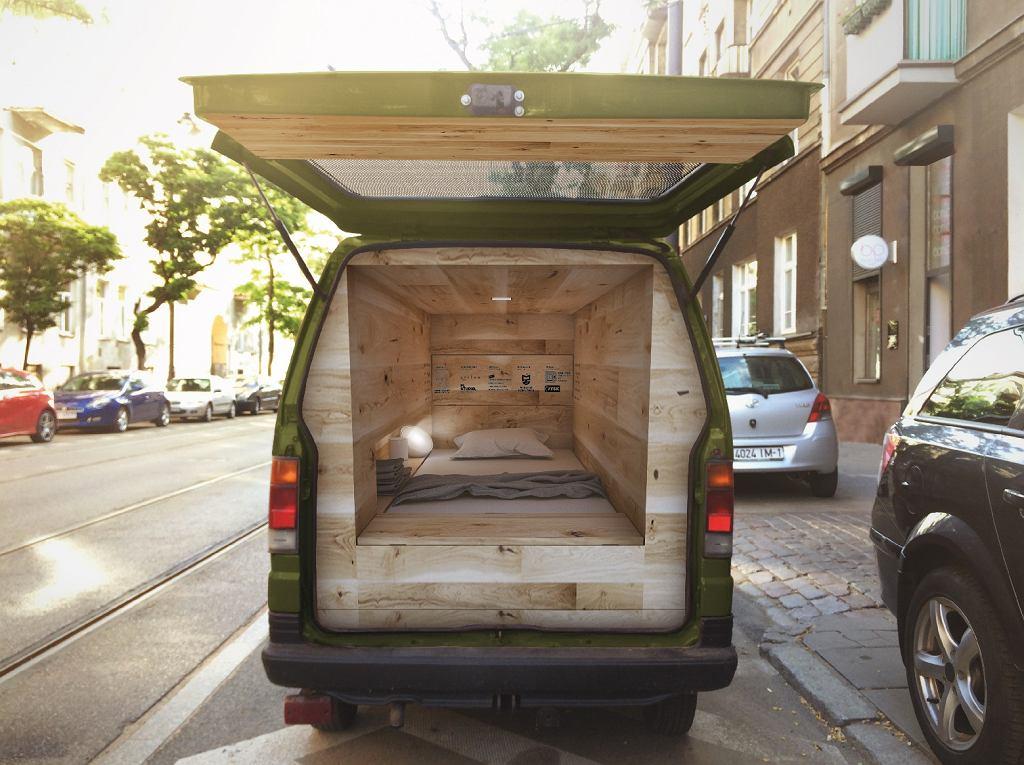 Van to relaksu i drzemek w mieście. Key Offline Van w Warszawie