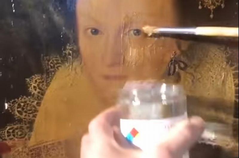 Tajemnicza substancja rozpuszcza kilkusetletni lakier w kilka sekund