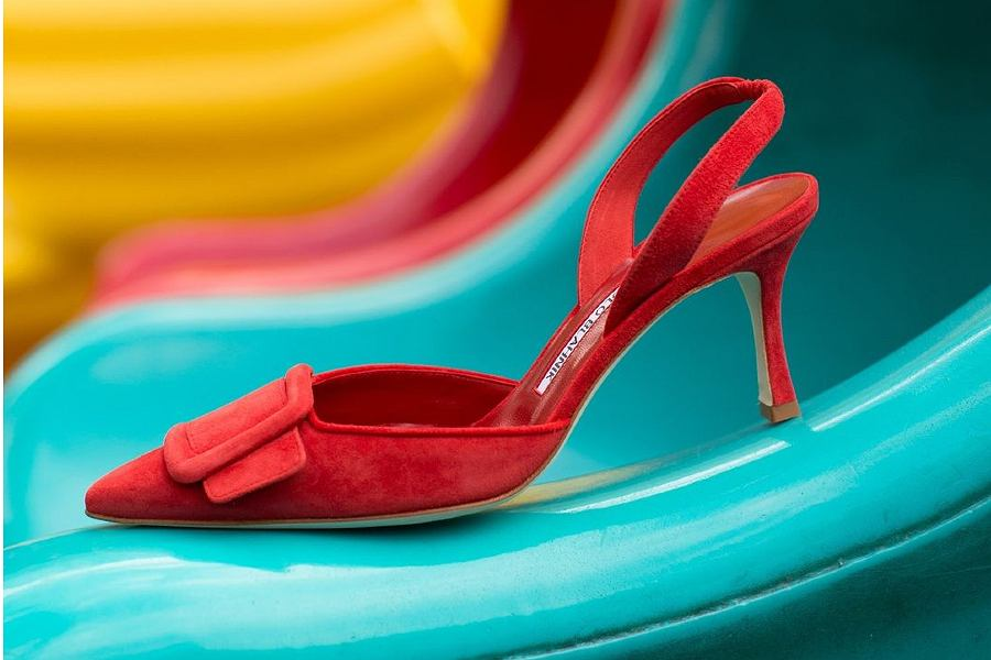 czerwone buty na niskim obcasie