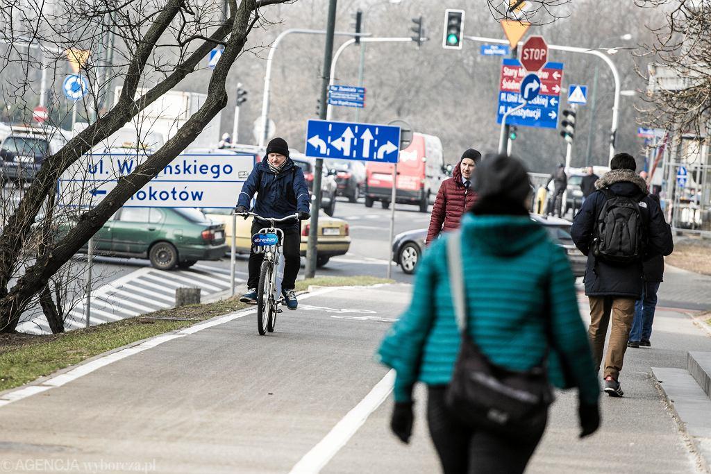 EPierwszy dzien dzialania rowerow Veturilo w nowym sezonie w Warszawie