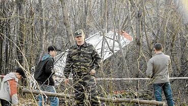 Na miejscu katastrofy w Smoleńsku rosyjska fundacja wystawiła ustalenia MAK. Media piszą o prowokacji