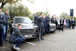 Siatkarze Cerradu Czarnych odebrali nowe auta marki Hyundai [ZDJĘCIA]