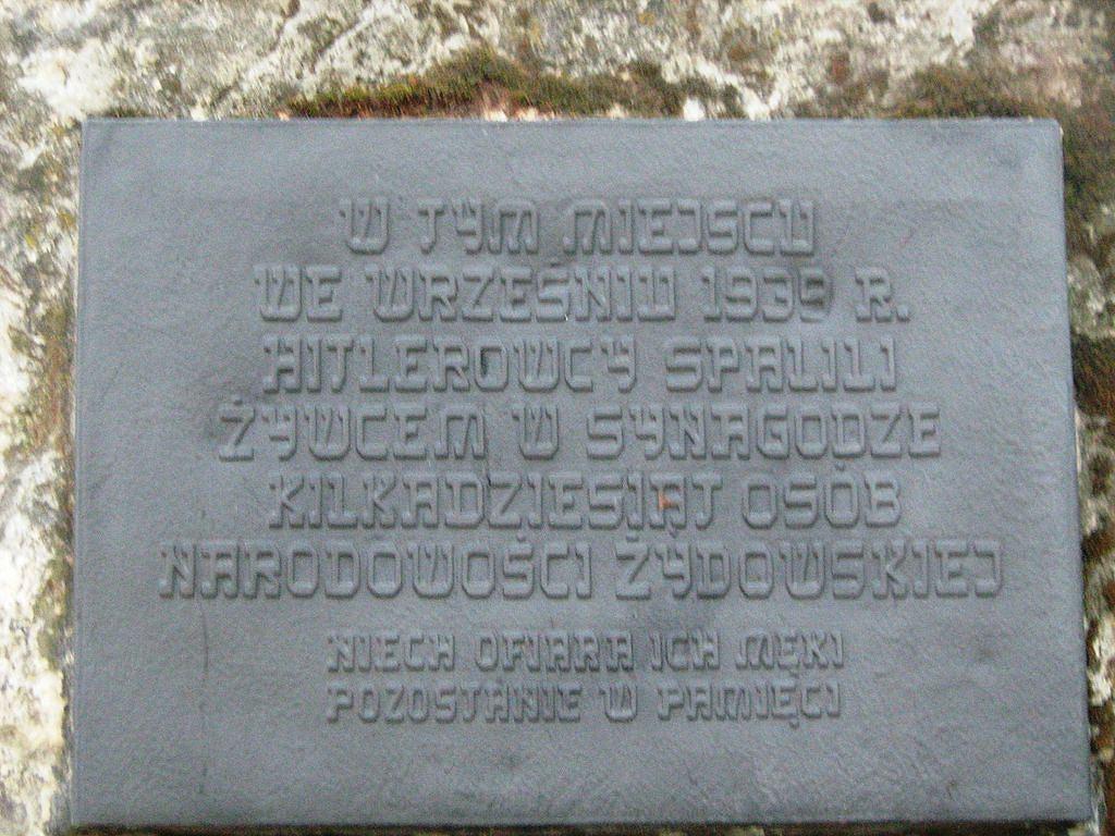 Tablica upamiętniająca zamordowanych w 1939 Żydów w Mielcu