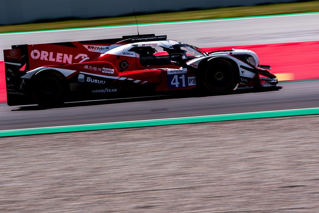 Robert Kubica podczas jazdy w European Le Mans Series w Barcelonie