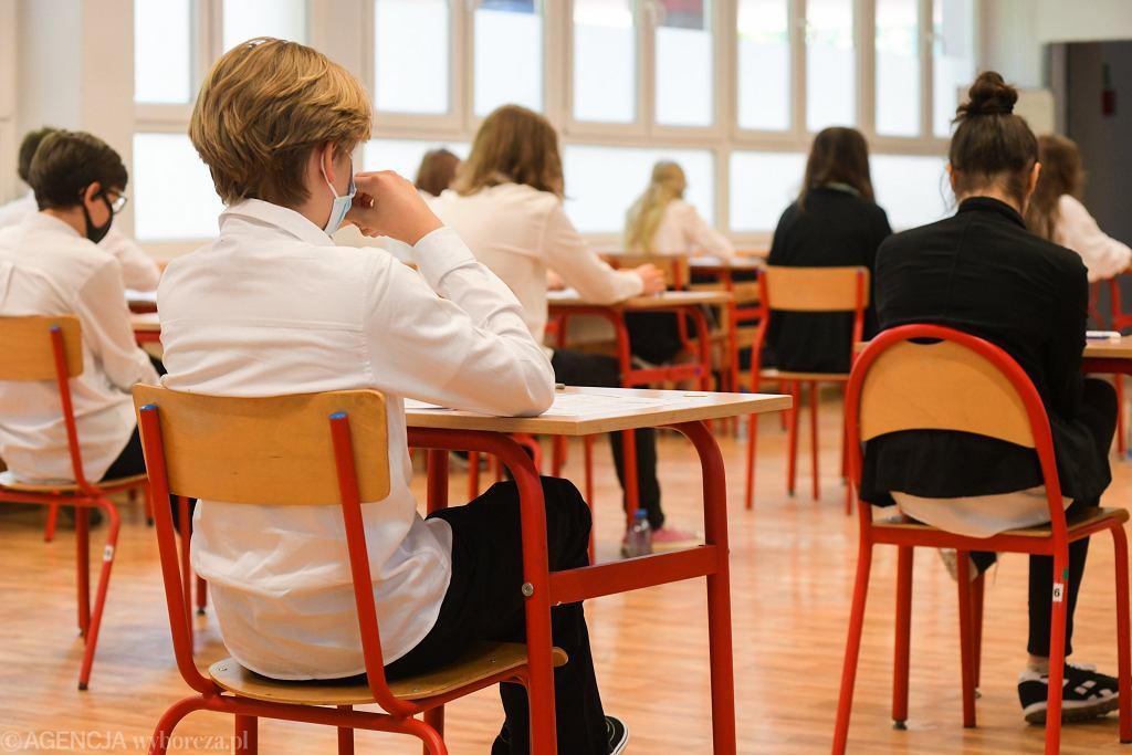 Egzamin ósmoklasisty (zdjęcie ilustracyjne)