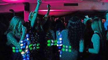 Głośne imprezy w mieszkaniu? To się może skończyć odszkodowaniem