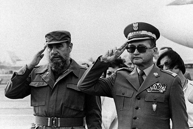 Fidel Castro i generał Jaruzelski na lotnisku im.  Jose Martiego w Hawanie, 20 września 1985