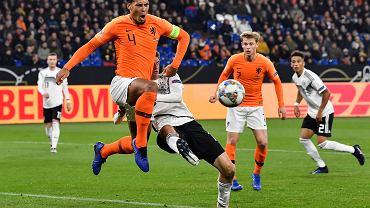 Niemcy - Holandia, Liga Narodów. Na pierwszym planie Virgil van Dijk