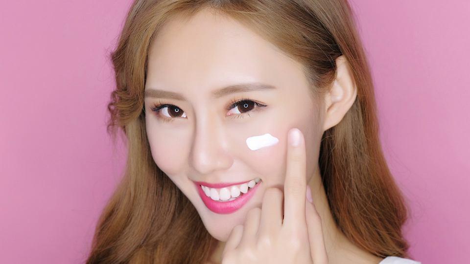 Azjatki dbają o urodę stosując nie tylko sprawdzone kosmetyki