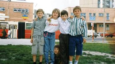 Filip Chajzer z kolegami 25 lat temu