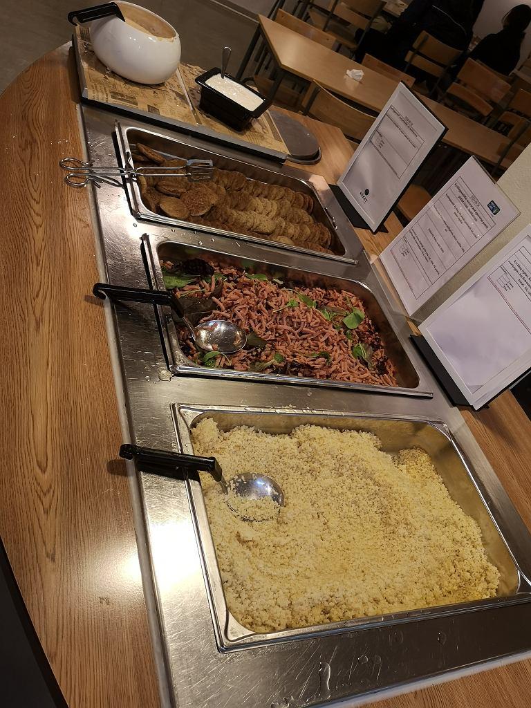Szwedzkie liceum sportowe Solna Gymnasium w Sztokholmie dopłaca swoim uczniom do obiadów