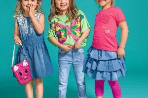 Ubranka dla dziewczynki - nie tylko na różowo