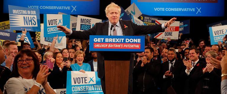 """Brexit. Zaskakujący ruch Nigela Farage'a. Boris Johnson dostał """"połówkę szansy"""""""