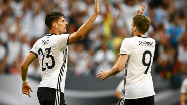 Mario Gomez i Andre Schuerrle - piłkarze reprezentacji Niemiec