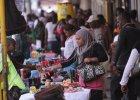 W Zimbabwe waluta upadła. Za jednego dolara amerykańskiego trzeba płacić biliardami