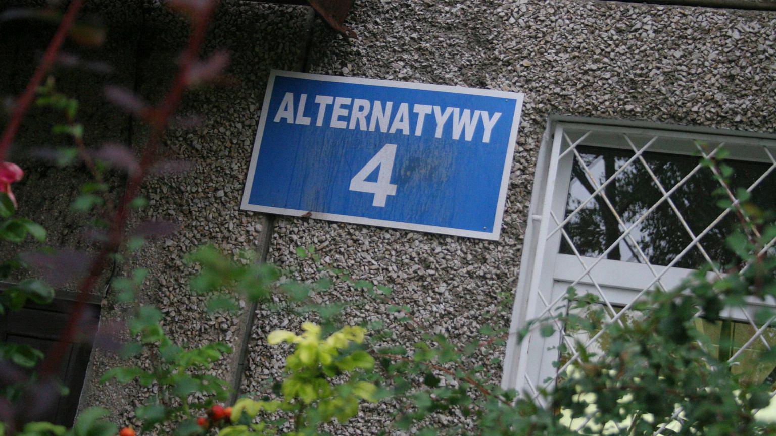 Filmowa ulica Alternatywy 4 to w rzeczywistości budynek przy ulicy Grzegorzewskiej 3 na Ursynowie