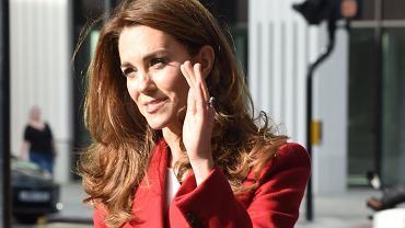 """Księżna Kate znowu wygląda inaczej. Tym razem nie chodzi o jej włosy. """"Widać wyraźnie, że się zmieniła"""""""