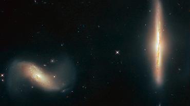 Galaktyki zbyt mocno zbliżyły się do siebie - na zdjęciu NGC 6285 i NGC 6286