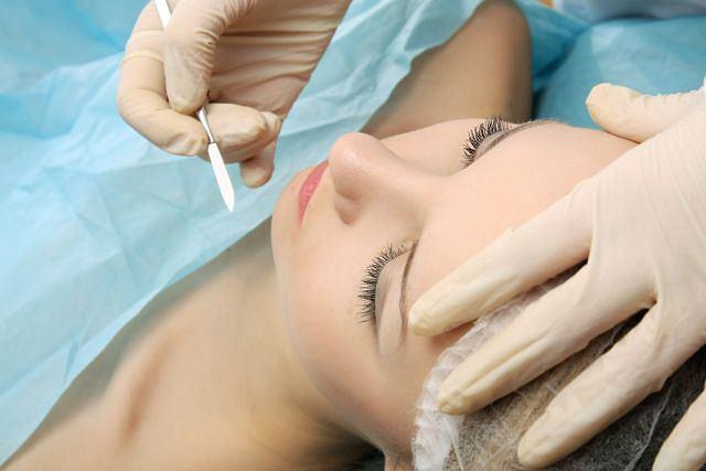 Chirurgia plastyczna służy nie tylko poprawie urody czy niedociągnięć natury