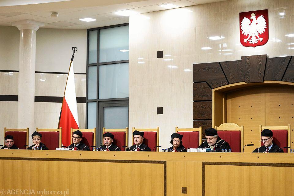 Zdjęcie numer 2 w galerii - Ośmieszyć Trybunał