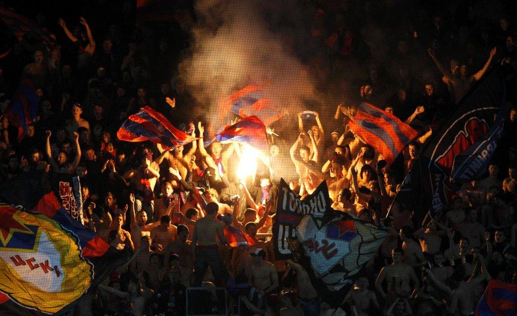 Fani CSKA Moskwa. Za ich rasistowskie zachowania UEFA zamknęła stadion na Łużnikach na dwa mecze.