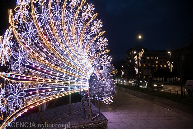 18.12.2019 Warszawa , al. Ujazdowskie . Iluminacja swiateczna . Fot. Maciek Jazwiecki / Agencja Gazeta