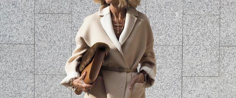 W tych ciepłych płaszczach 50-tki wyglądają jak gwiazdy! Piękne kolory i modne fasony z wyprzedaży