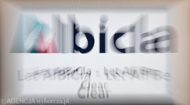 Skrajna prawica jest zakładniczką Facebooka i YouTube'a. Albicla nigdy nie da jej takiej skali