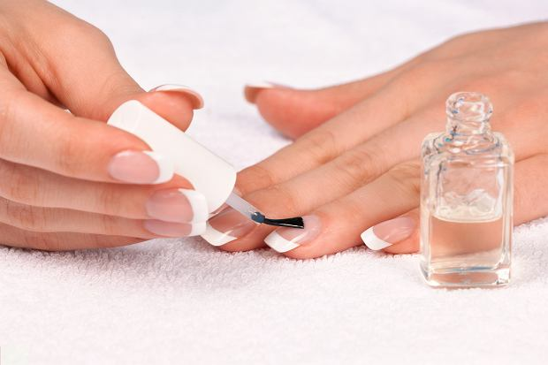 Francuski manicure krok po kroku