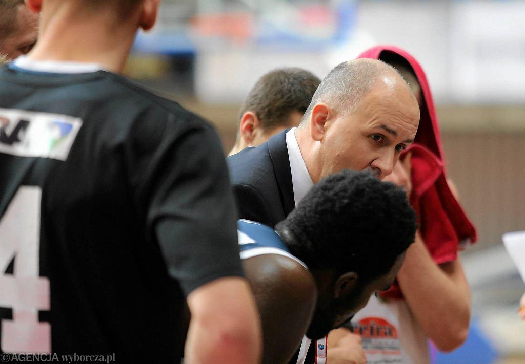 Trener MKS-u Drażen Anzulović