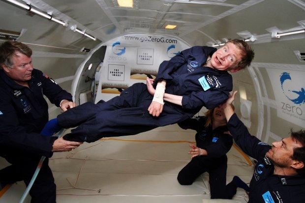 Stephen Hawking w zerowej grawitacji