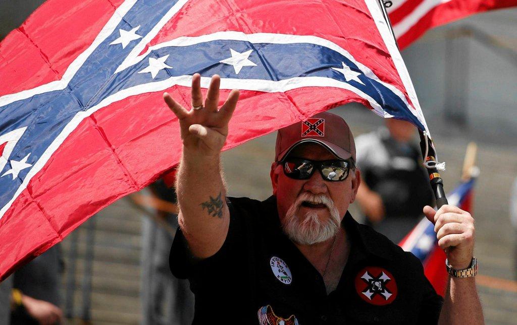 Ku Klux Klan spotyka Czarne Pantery. 'Pokój się skończył'