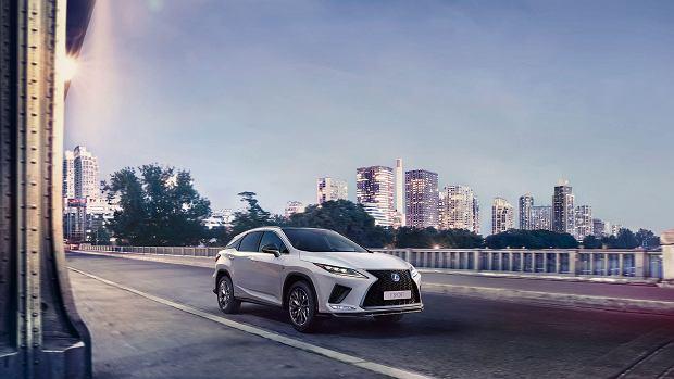 Lexus RX - sposób by połączyć luksus, ekologię i sportowe wrażenia z jazdy