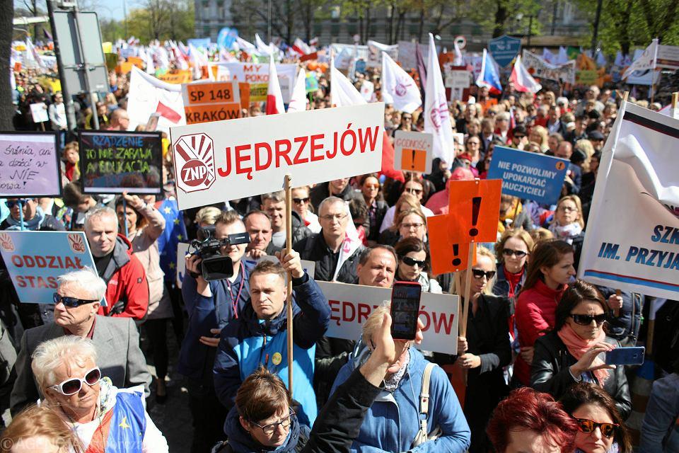 Ogólnopolska Manifestacja pod Ministerstwem Edukacji Narodowej.