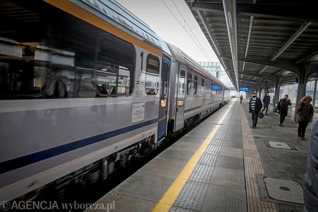 Absurd na kolei. Przejazd do następnej stacji może kosztować o 130 zł więcej