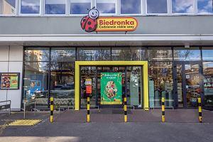 Zakupy w Biedronce bez wychodzenia z domu? Sieć prowadzi sprzedaż z dostawą