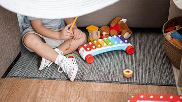 prezenty dla dziecka (zdjęcie ilustracyjne)