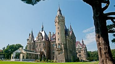 Zamek w Mosznej. Zamieszkaj jak król/ Fot. CC BY-SA 3.0/ Fotografikon/ Wikimedia Commons