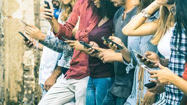 Jak oszczędzić na usługach telekomunikacyjnych?