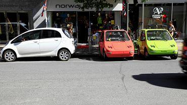 Oslo, publicznie dostępne ładowarki do samochodów elektrycznych.