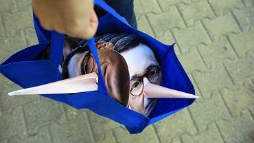 Wybory samorządowe 2018 w Poznaniu. Prezentacja kandydatów PiS połączona z konwencją z udziałem Jarosława Kaczyńskiego i premiera Mateusza Morawieckiego została poprzedzona protestem przeciwników PiS