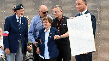 Powstanie warszawskie. Powstańcy  spotkali się z prezydentami Andrzejem Dudą i Rafałem Trzaskowskim w Parku Wolności