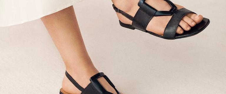 Idealne obuwie na lato 2021? Postaw na te piękne sandały Lasocki. CCC oferuje nowości w atrakcyjnych cenach!