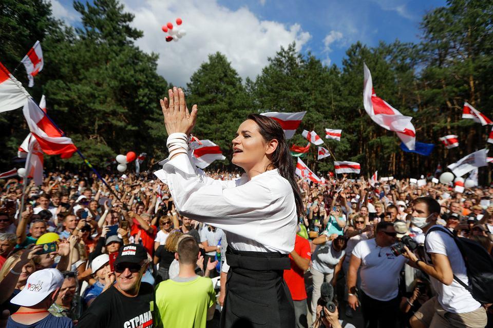 Kandydatka na prezydenta Białorusi Swiatłana Cichanouska na wiecu w Brześciu, 2 sierpnia 2020 r.